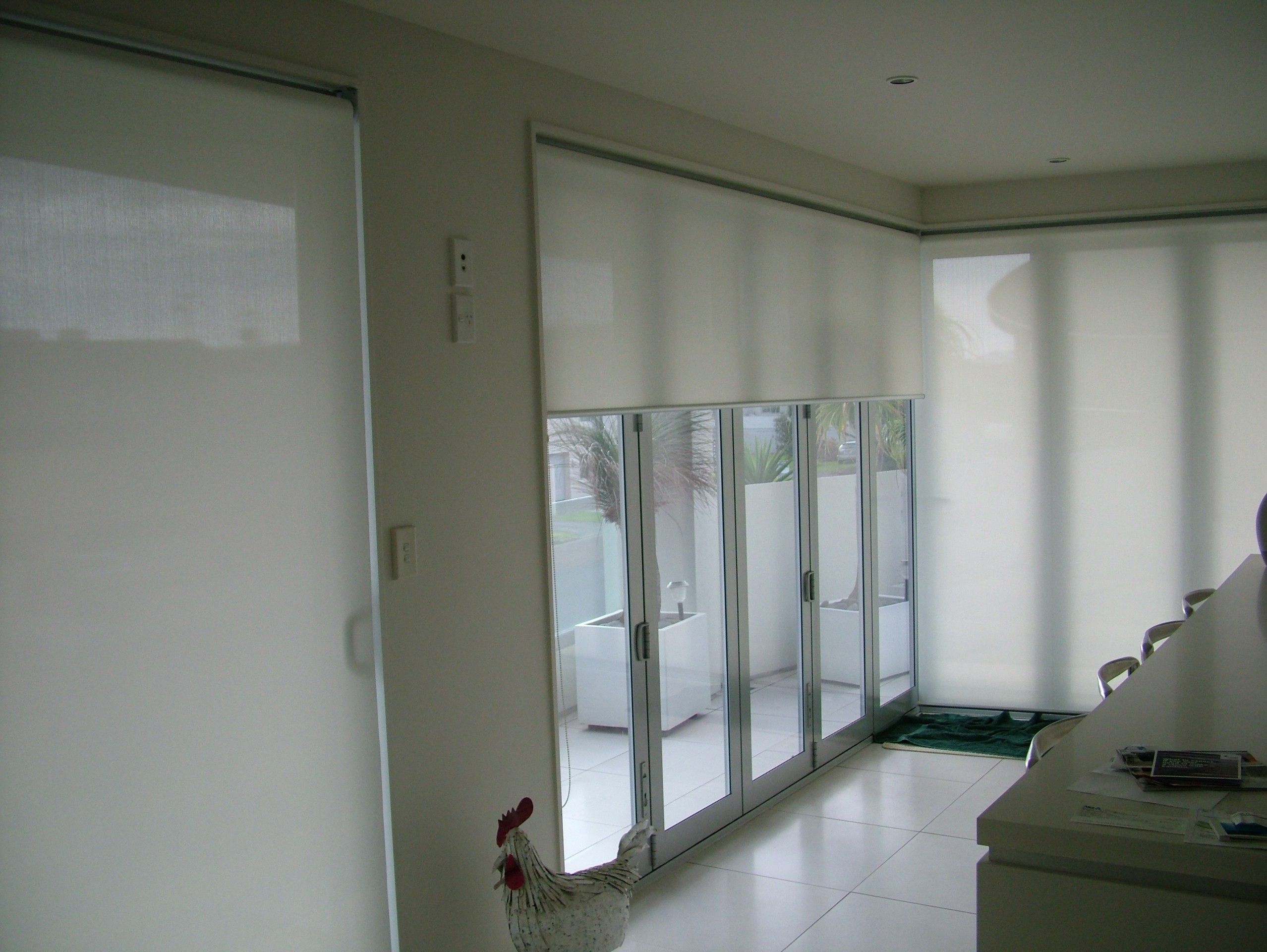 Roller, Verosol, Silhouette Blinds & Duette Shades | Curtain Clean ...